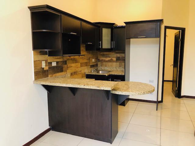 Foto Departamento en Venta en  Pavas,  San José  Rohrmoser/ 2 Habitaciones amplias/ Balcón / Fácil acceso/Renta Con Opción a Compra por 6 meses