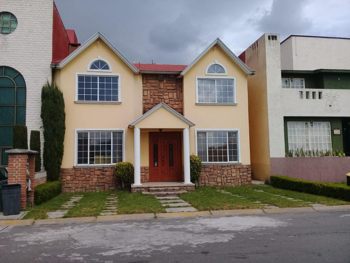 Foto Casa en Venta en  San Mateo Otzacatipan,  Toluca  CASA EN VENTA EN EX HACIENDA SAN JOSE