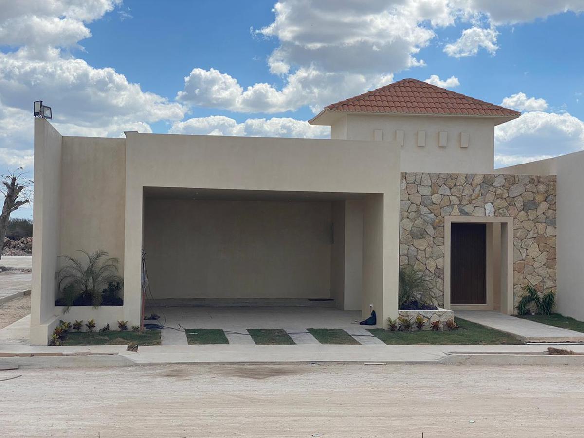 Foto Casa en Venta en  Conkal ,  Yucatán  Conkal , Jardines de Santa Cruz, Merida, residencias de un piso