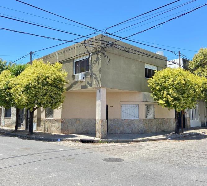 Foto Casa en Venta en  Arroyito,  Rosario  Carrasco  1400