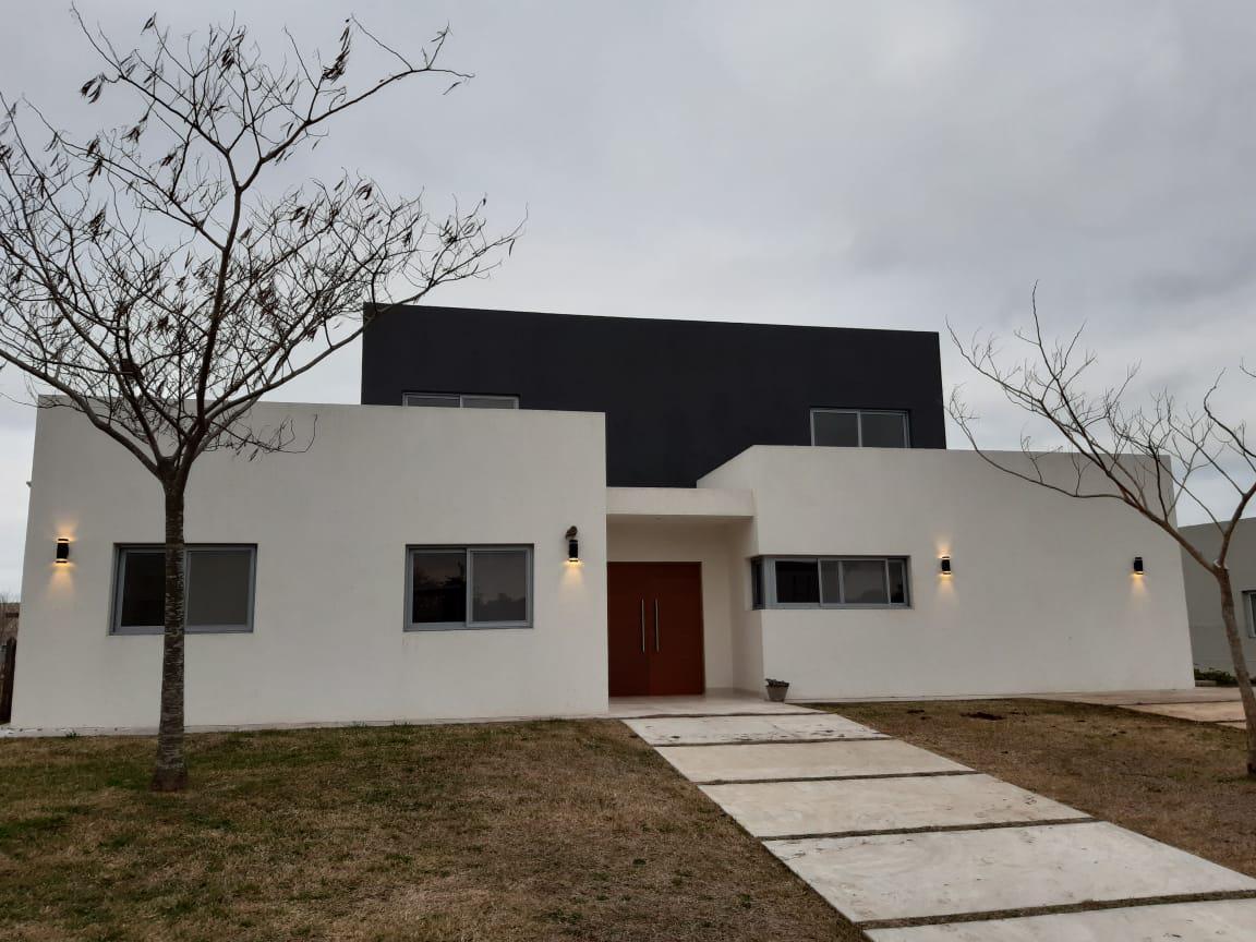 Foto Casa en Venta en  San Matias,  Countries/B.Cerrado (Escobar)  Av de Los lagos 1000, San Matías Escobar