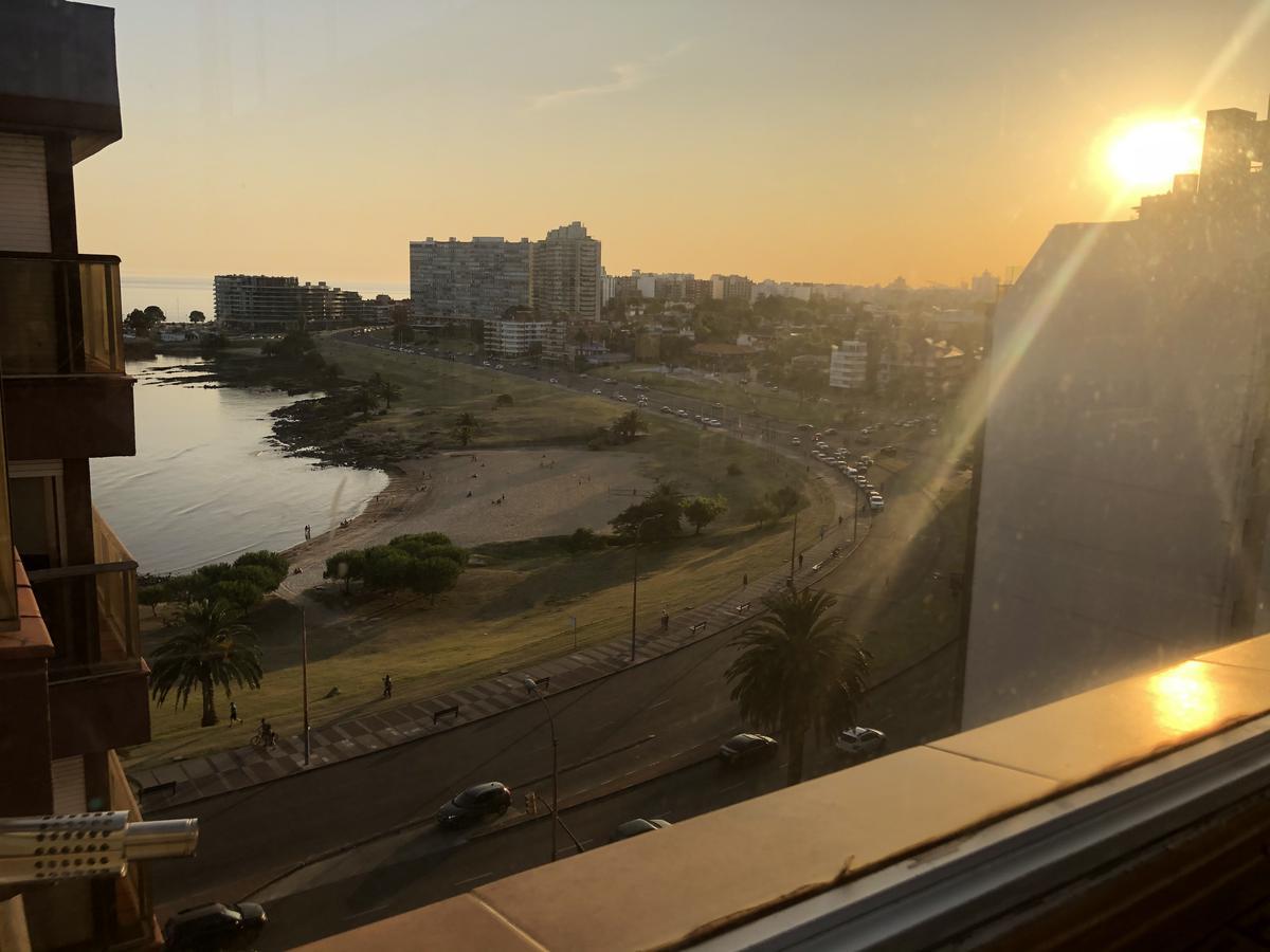Foto Apartamento en Venta | Alquiler en  Puerto Buceo ,  Montevideo  Nicolás Piaggio
