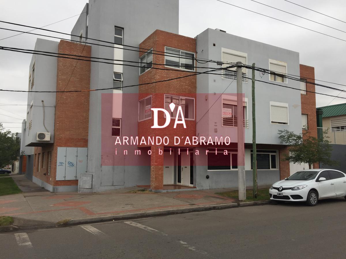 Foto Departamento en Venta en  Capital ,  Neuquen  Carlos H. Rodriguez y Peñaloza