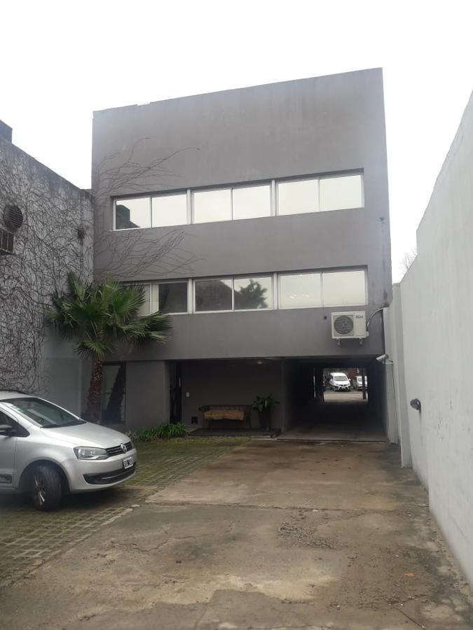 Foto Local en Alquiler en  Las Lomas de San Isidro,  San Isidro  Blanco Encalada 40