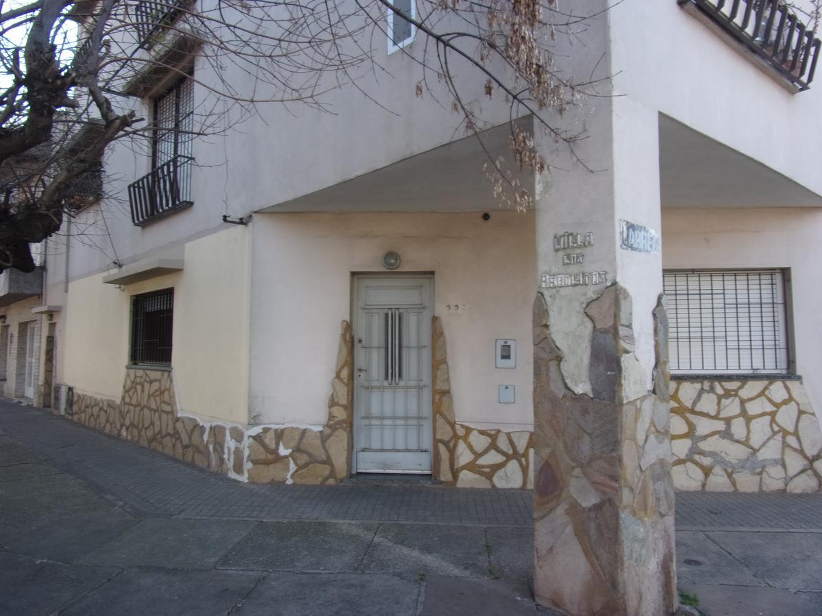 Foto Casa en Alquiler en  Azcuenaga,  Rosario  Larrea al 900