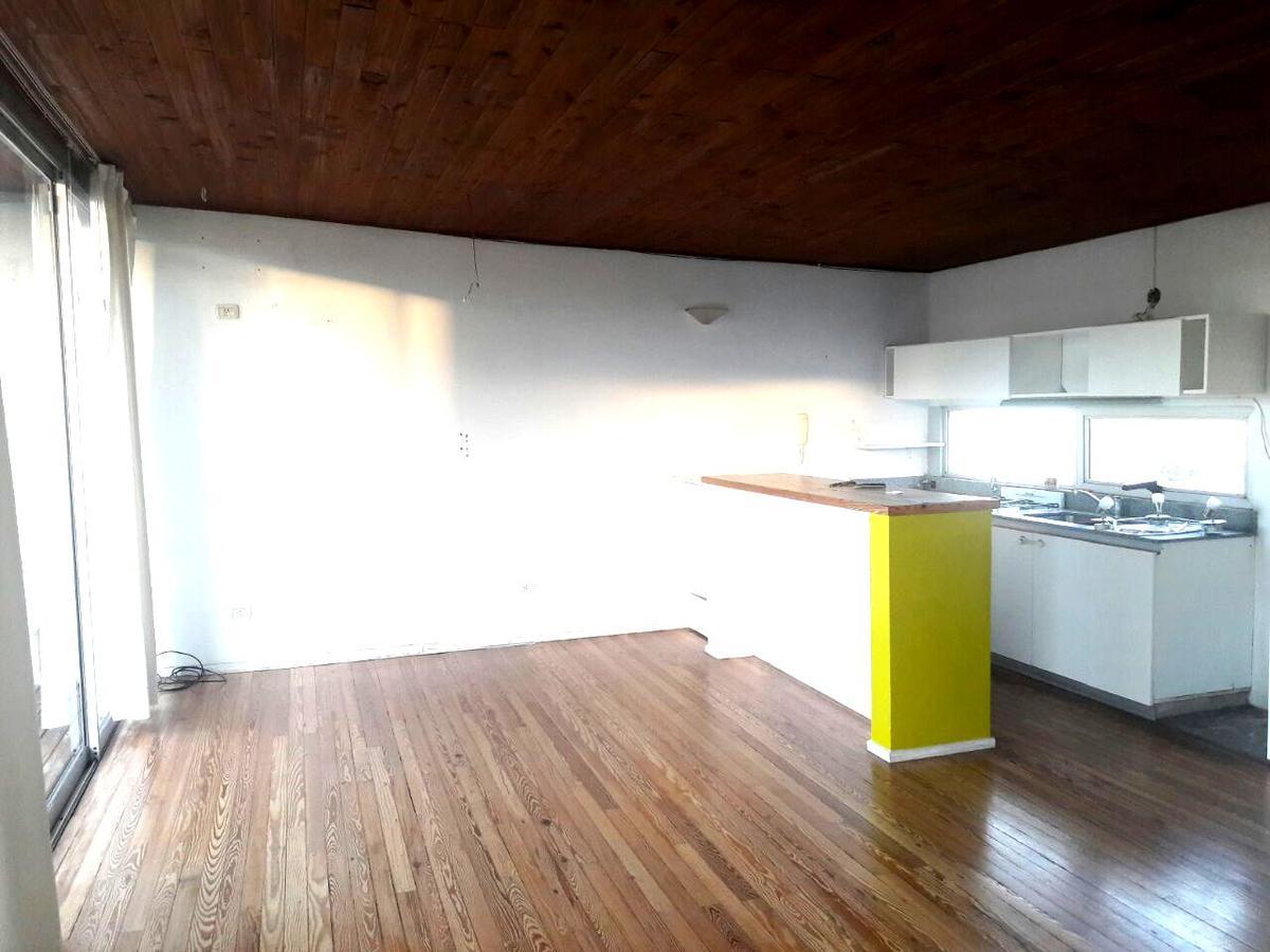 Foto Departamento en Venta en  S.Isi.-Vias/Rolon,  San Isidro  Alsina al 241 , San Isidro.