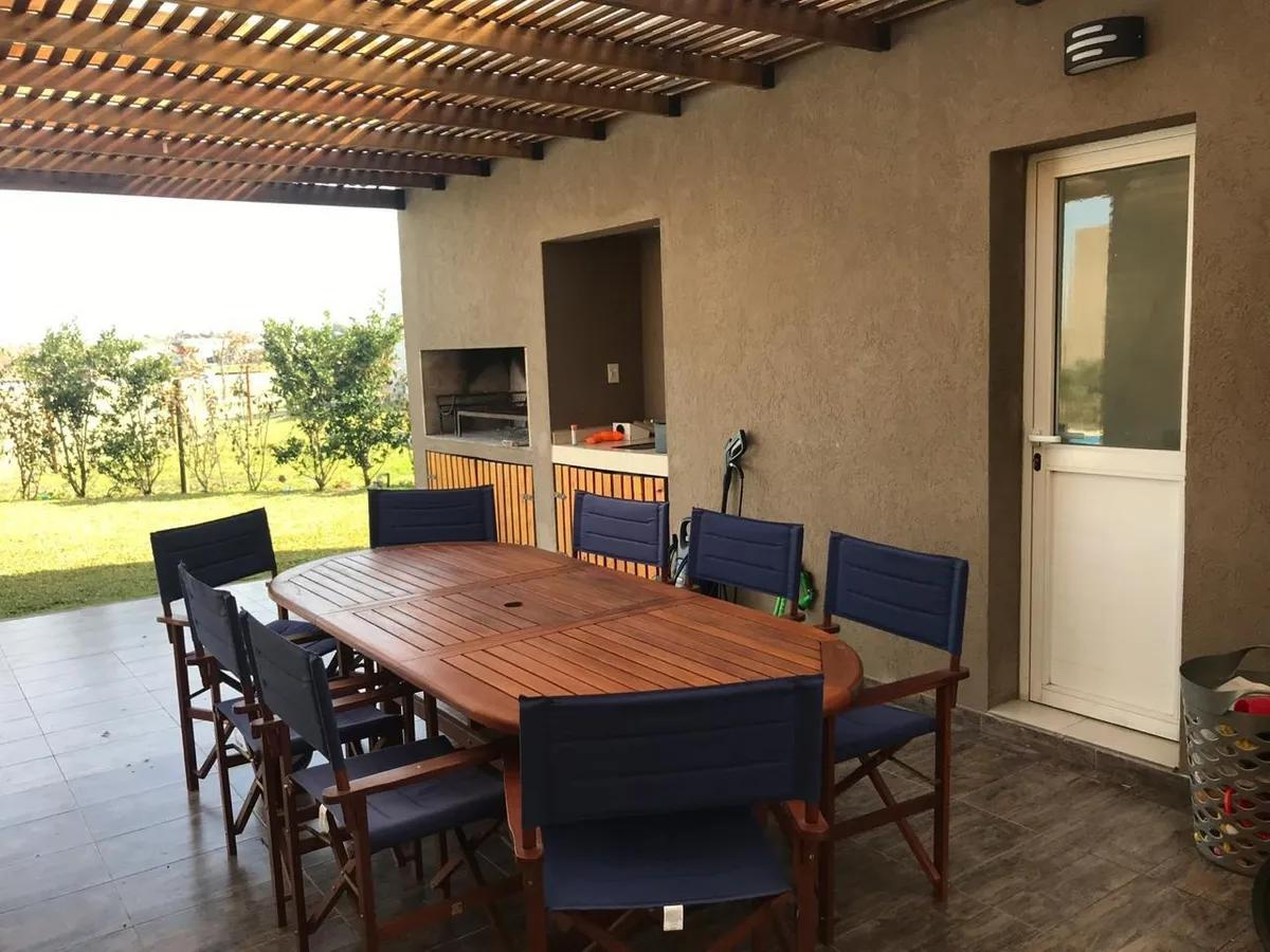 Foto Casa en Venta en  El Canton - Golf,  Countries/B.Cerrado (Escobar)  Libertad 310, El Cantón, Escobar, Bs.As. G.B.A. Norte
