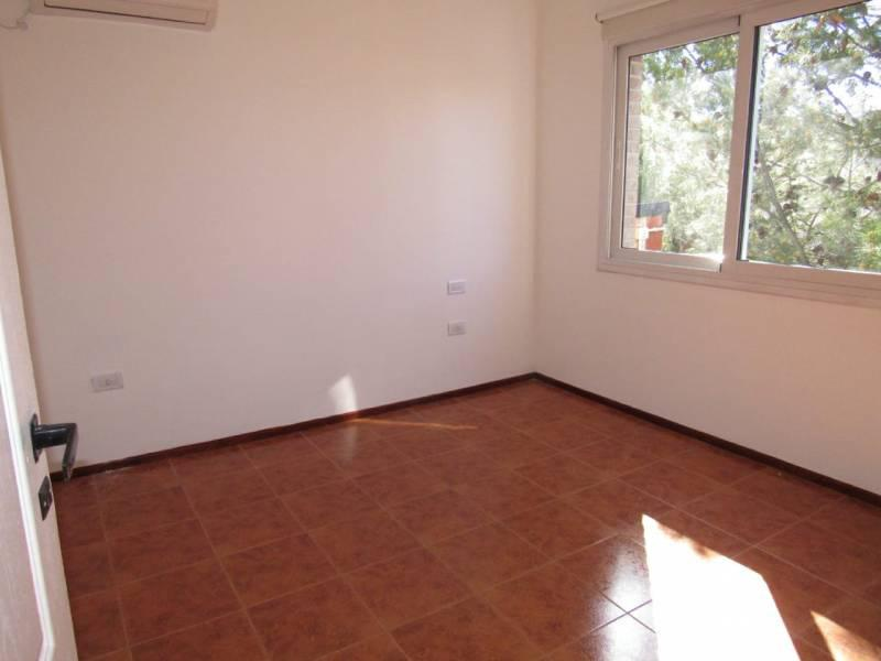 Foto Casa en Venta en  Río Grande,  Capital  LA PAMPA al 1400. Excelente Oportunidad en Venta