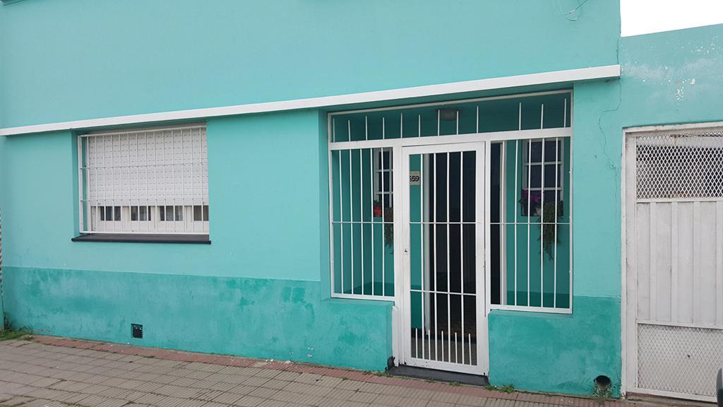 Foto Casa en Venta en  Ensenada ,  G.B.A. Zona Sur  Sarmiento N° 659