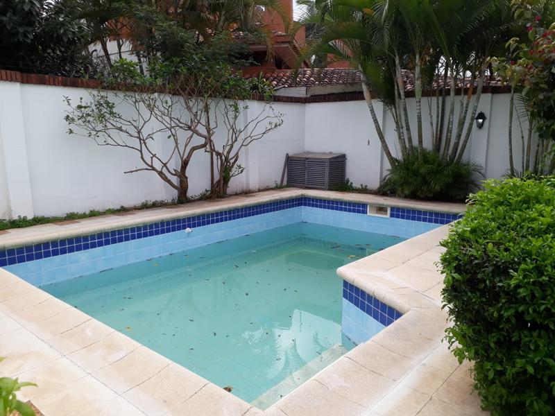Foto Casa en Alquiler en  Ycua Sati,  Santisima Trinidad  Zona Paseo La Galería