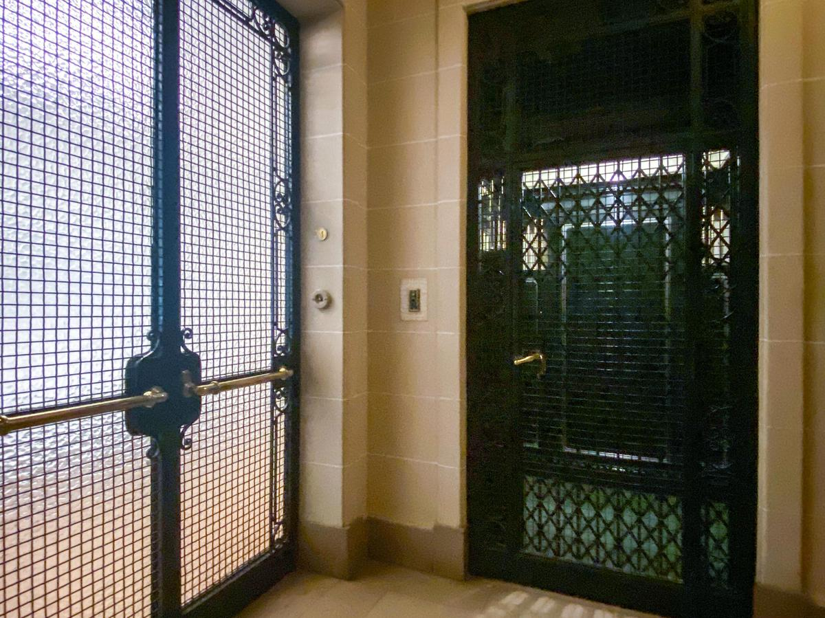 Foto Departamento en Alquiler en  Retiro,  Centro (Capital Federal)  Esmeralda 1300