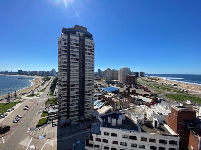 Foto Apartamento en Venta en  Península,  Punta del Este  Torre Gattas