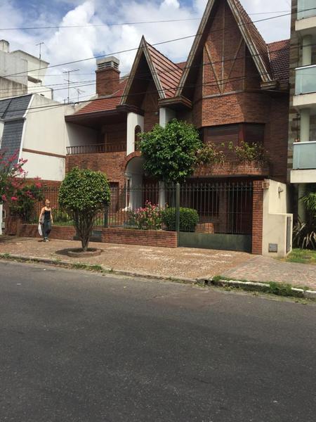 Foto Casa en Venta en  Banfield Oeste,  Banfield  L.N.ALEM 1580 e. French y R. Peña