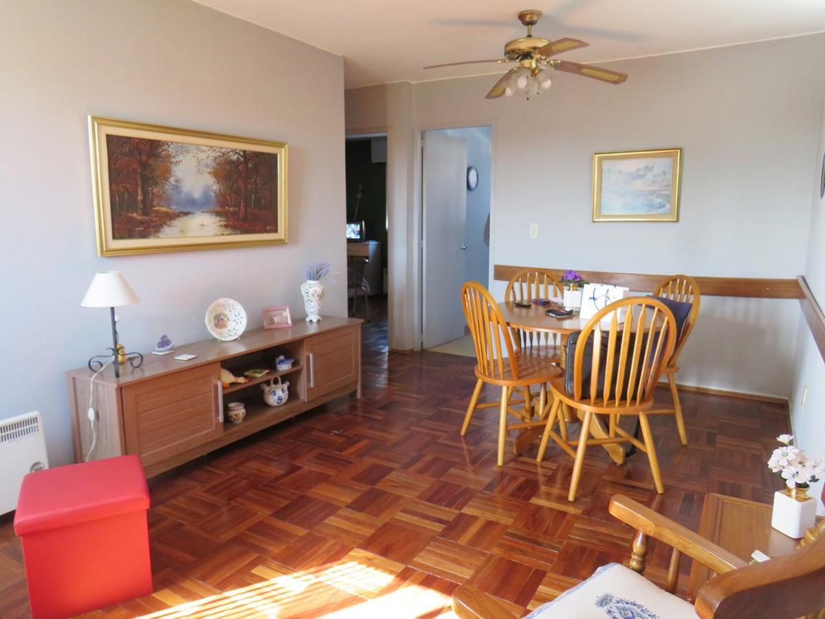 Foto Apartamento en Venta en  Villa Española ,  Montevideo  20 de Febrero esq. Himalaya