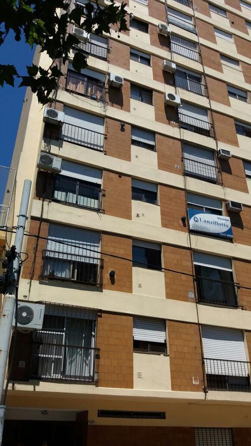 Foto Departamento en Venta en  Lanús Este,  Lanús  Arturo Illia al 1111  3ºB