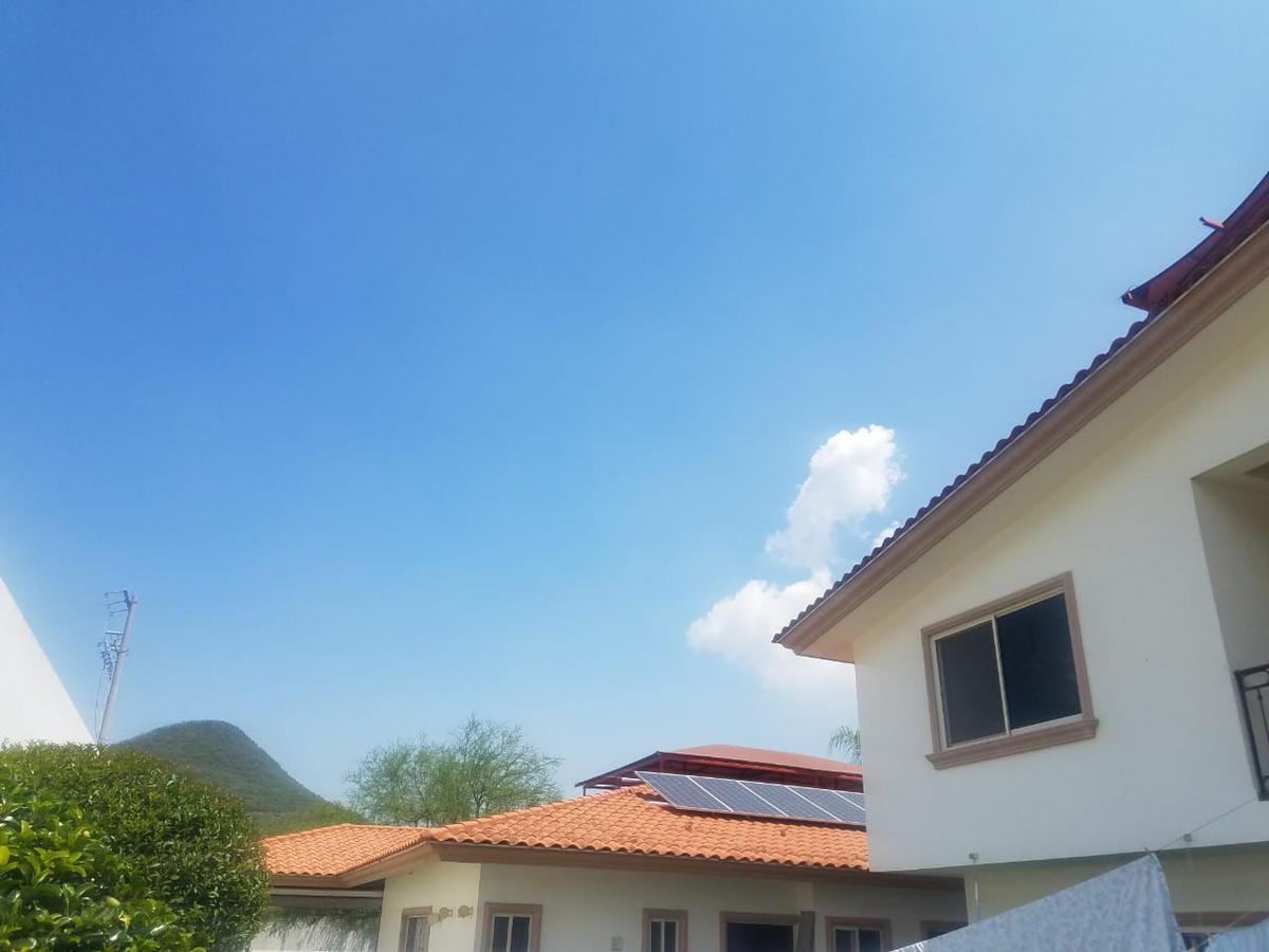 Foto Casa en Venta en  Valle Alto,  Monterrey  Porton