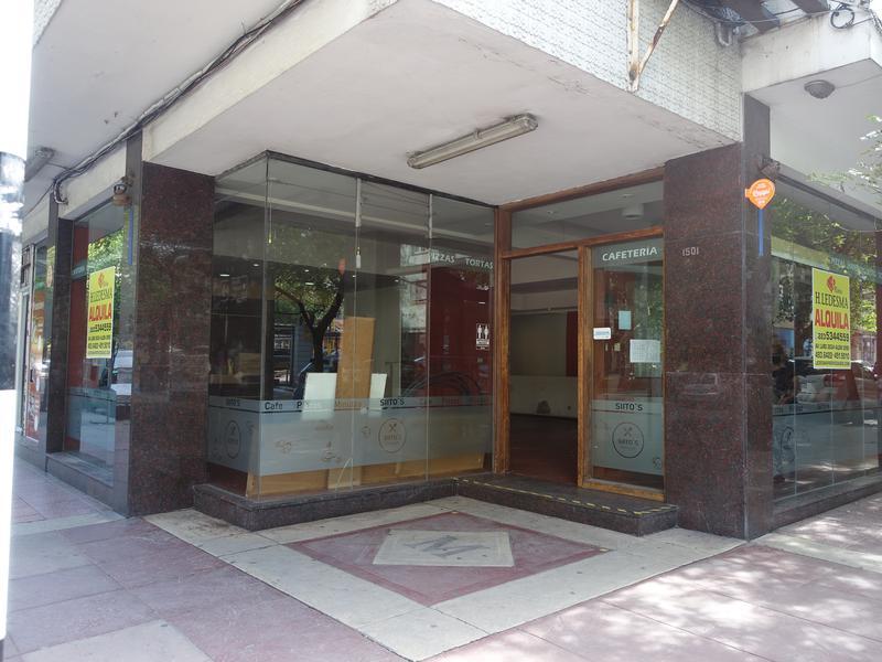 Foto Local en Alquiler en  Centro,  Mar Del Plata  Hipolito Yrigoyen y 25 de Mayo
