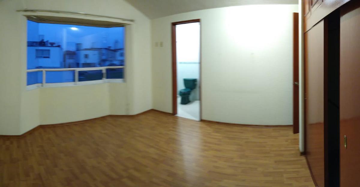 Foto Casa en condominio en Renta en  San Salvador Tizatlalli,  Metepec  Casa en Renta en Fraccionamiento Verona, San Salvador Tizatlalli