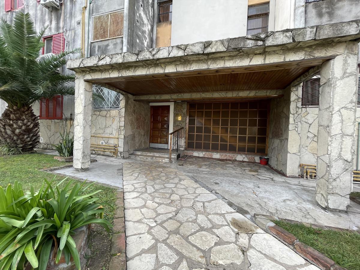 Foto Departamento en Venta en  Bernal Oeste,  Quilmes  Victorica 1275 entre Chaco y Formosa