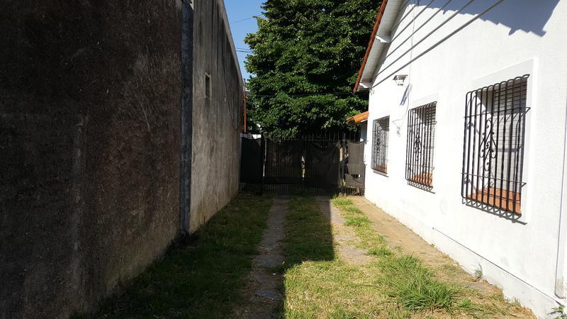 Foto Casa en Venta en  Jose Marmol,  Almirante Brown  CHAYTER  662, entre Mitre y Bynnon