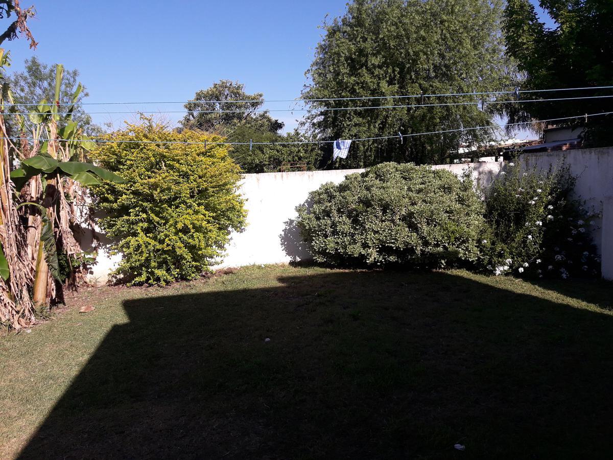 Foto Casa en Venta en  San Jeronimo Norte,  Las Colonias  ALQUILADA - A tres cuadras de la plaza, con buen patio y apta crédito!