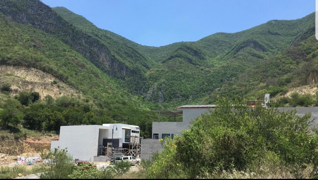 Foto Terreno en Venta en  Granadas,  Monterrey  PrivadTerreno en Venta en Fracc. Laderas Privada Tamarindo - Zona Sur-Carretera Nacional (JA)