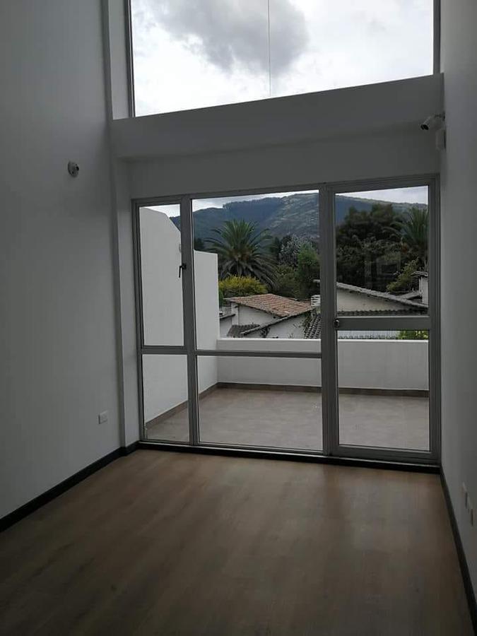Foto Casa en Venta en  Los Chillos,  Quito  HERMOSA CASA POR ESTRENAR , SAN RAFAEL, LOS CHILLOS, SN