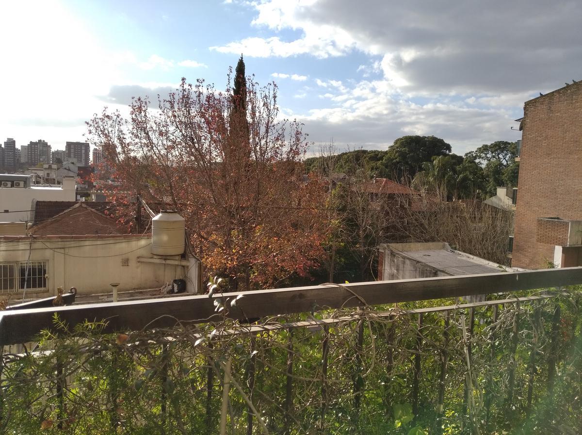 Foto Departamento en Venta en  Mart.-Vias/Santa Fe,  Martinez  ARENALES al 1700
