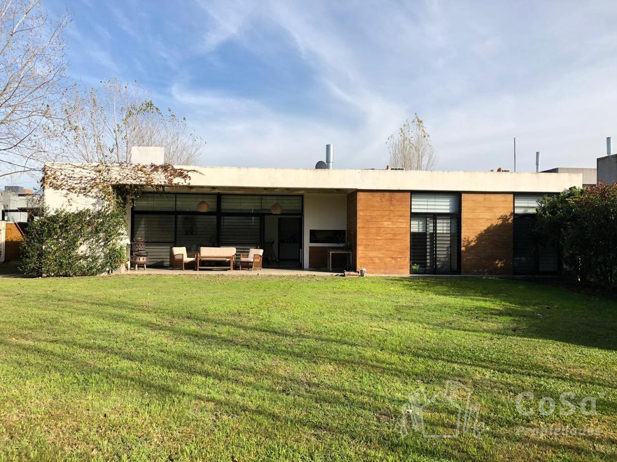 Foto Casa en Venta en  Rosario ,  Santa Fe  Alippi 9046 - Tierra Nueva
