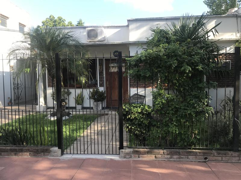 Foto Casa en Venta en  Ituzaingó ,  G.B.A. Zona Oeste  Jerusalen al 1000