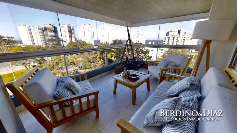Foto Departamento en Venta en  Playa Brava,  Punta del Este  Espectacular Semipiso de 3 dormitorios a pasos de la Brava