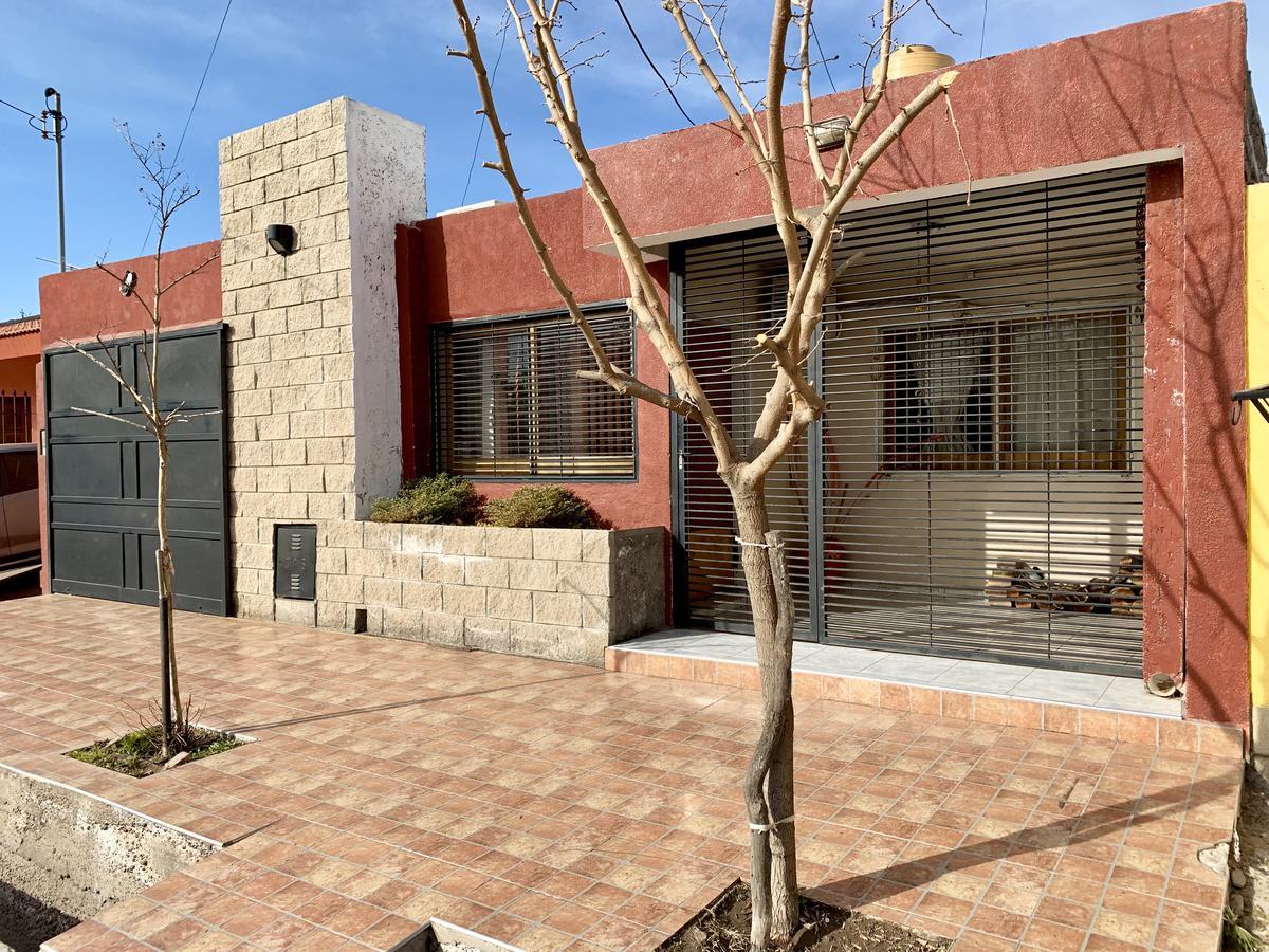 Foto Casa en Venta en  San Martin ,  Mendoza  Las Bóvedas - Blanco Encalada 286