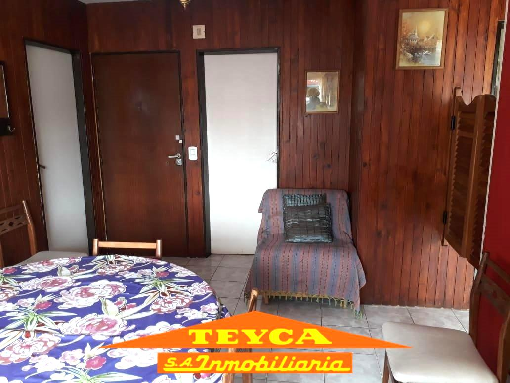 Foto Departamento en Venta en  Pinamar ,  Costa Atlantica  Constitucion nº344