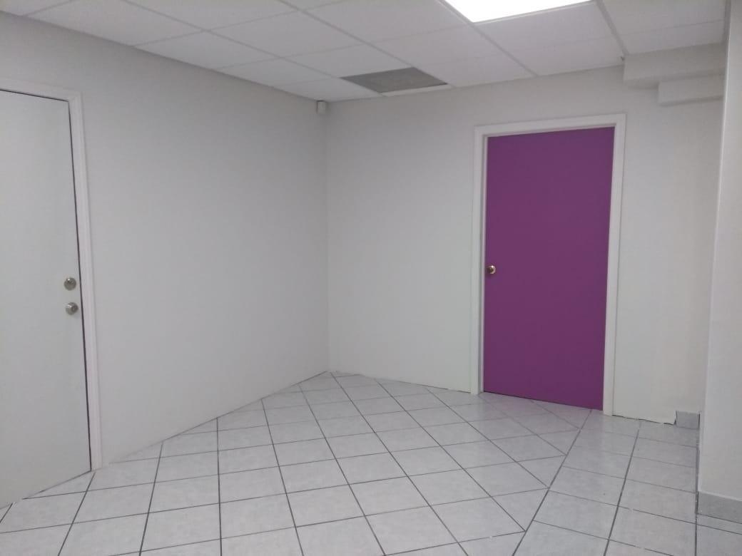 Foto Oficina en Renta en  Zona Centro,  Tijuana          RENTAMOS BONITA OFICINA 110 MTS2 EN  CENTRO EN EDIFICIO EN  8VO PISO.