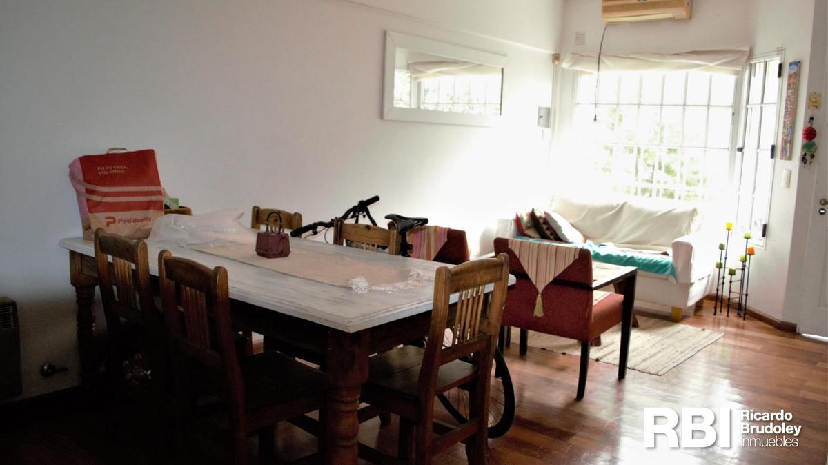 Foto Casa en Venta en  Olivos,  Vicente Lopez  Miguel Cane al 4100