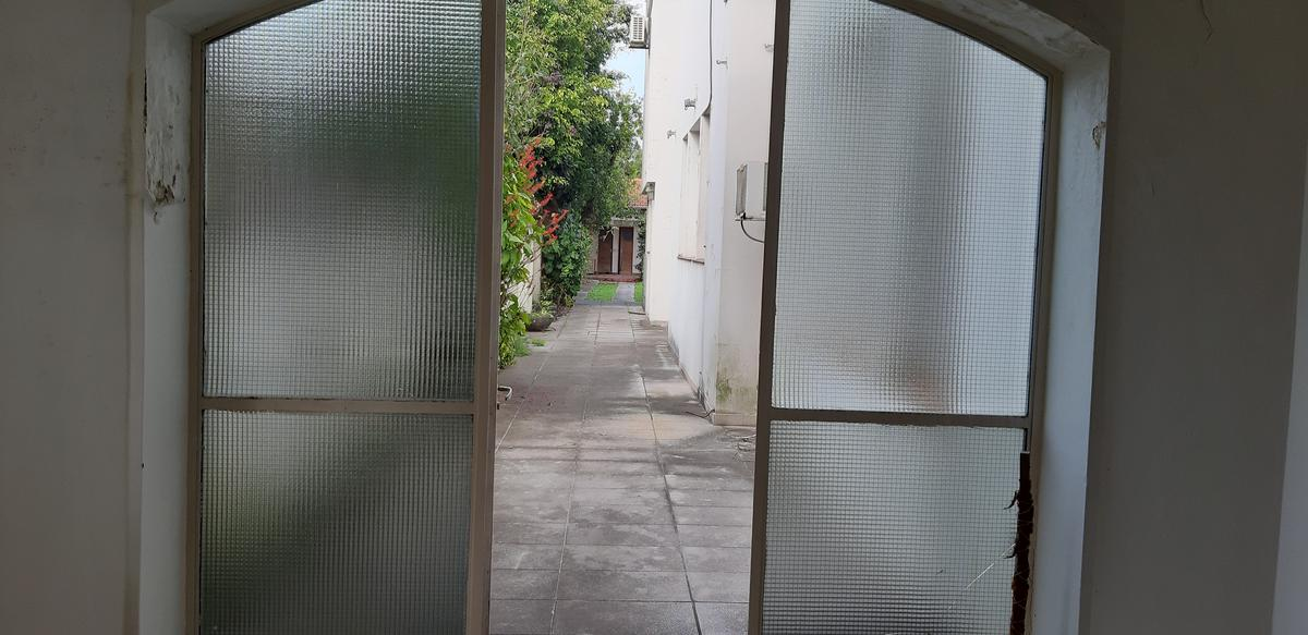 Foto Casa en Venta en  Florida-B.Roca,  Florida  Gral Urquiza al 2700