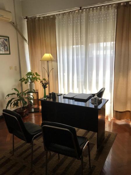 Foto Oficina en Venta en  Lomas de Zamora Oeste,  Lomas De Zamora  Laprida al 432 (Depto 2)