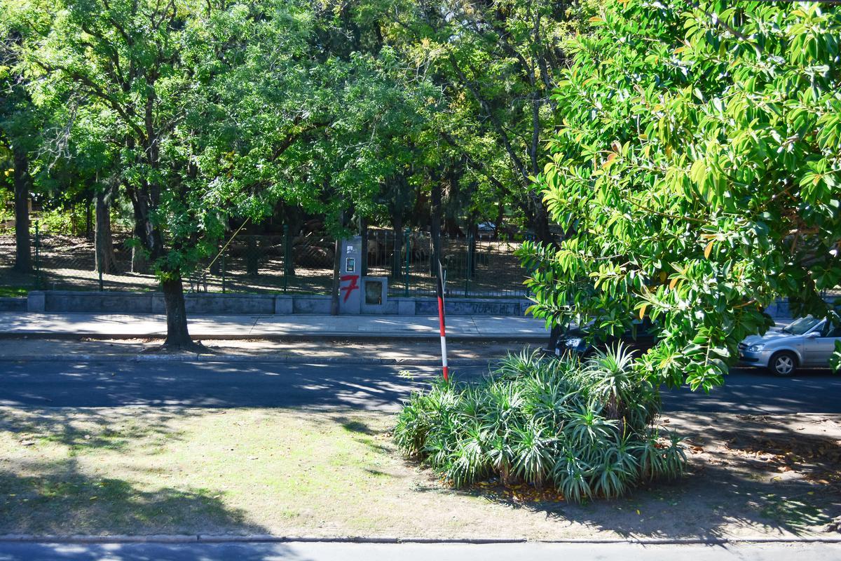 Foto Terreno en Venta en  La Plata ,  G.B.A. Zona Sur  Calle 14 e/  66 y 67 - LOTE/TERRENO EN VENTA