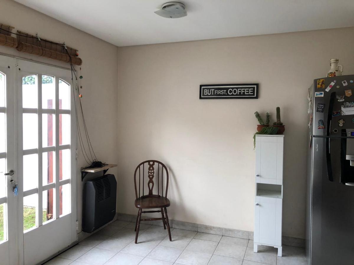 Foto Casa en Venta en  Capital ,  Neuquen  Colonia Alemana al 1200. Duplex  en Venta
