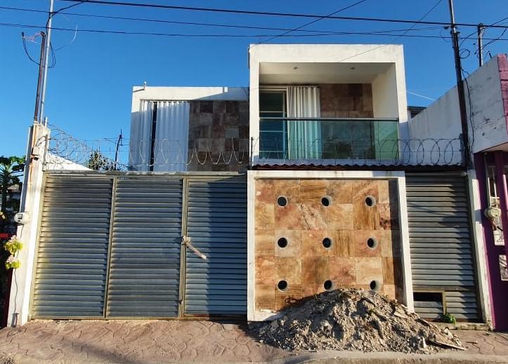 Foto Casa en Venta en  Chetumal ,  Quintana Roo  CASA EN VENTA EN CHETUMAL DE 4 REC Y ALBERCA