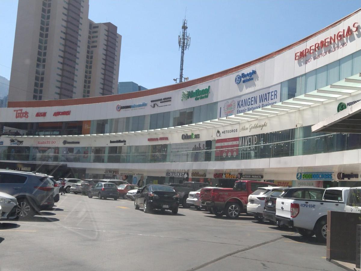 Foto Oficina en Renta en  Santa Engracia,  San Pedro Garza Garcia  Plaza Tanarah