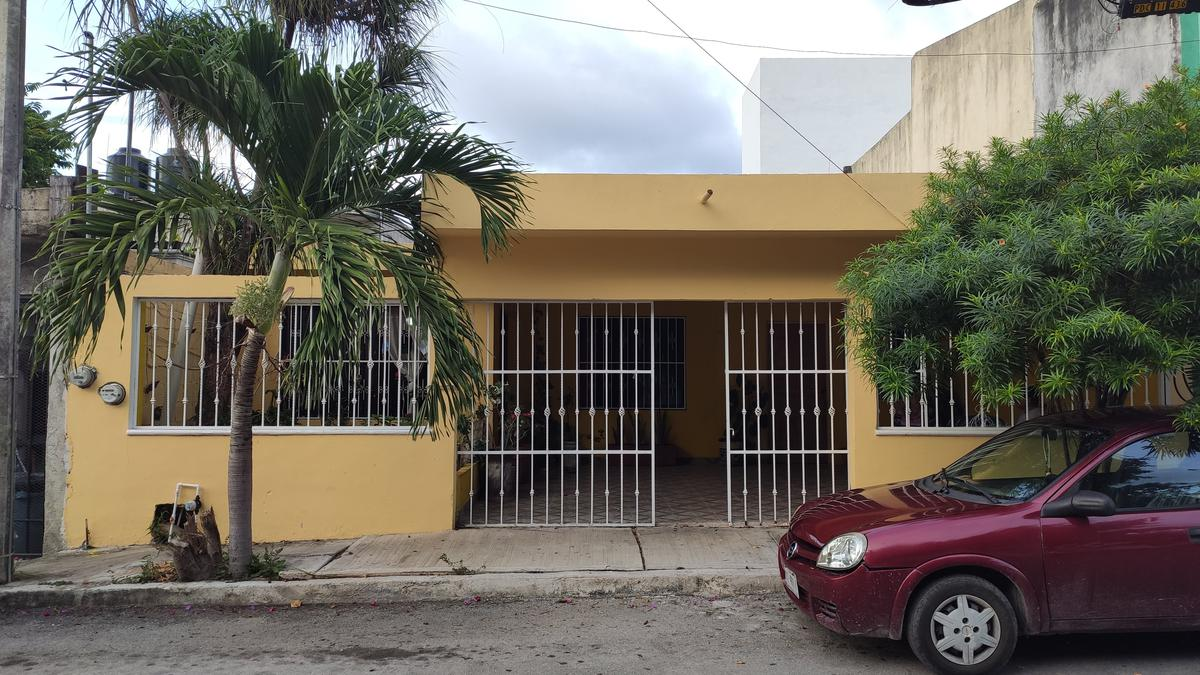 Foto Terreno en Venta en  Solidaridad ,  Quintana Roo  Calle 40 entre 25bis y 30