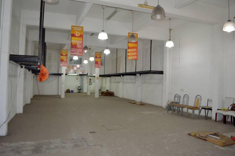 Foto Local en Alquiler en  Boulogne,  San Isidro  Av Rolon al 2100