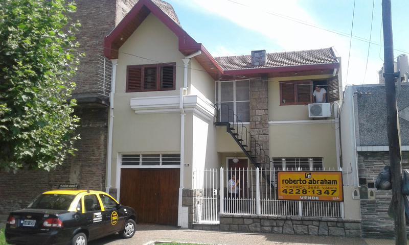 Foto Casa en Alquiler en  Valentin Alsina,  Lanus  Chile 1600
