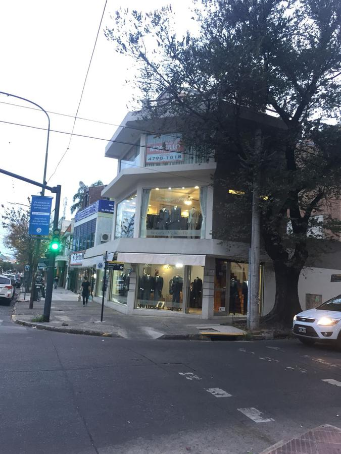 Foto Local en Alquiler en  Martinez,  San Isidro  Santa Fe al 2200