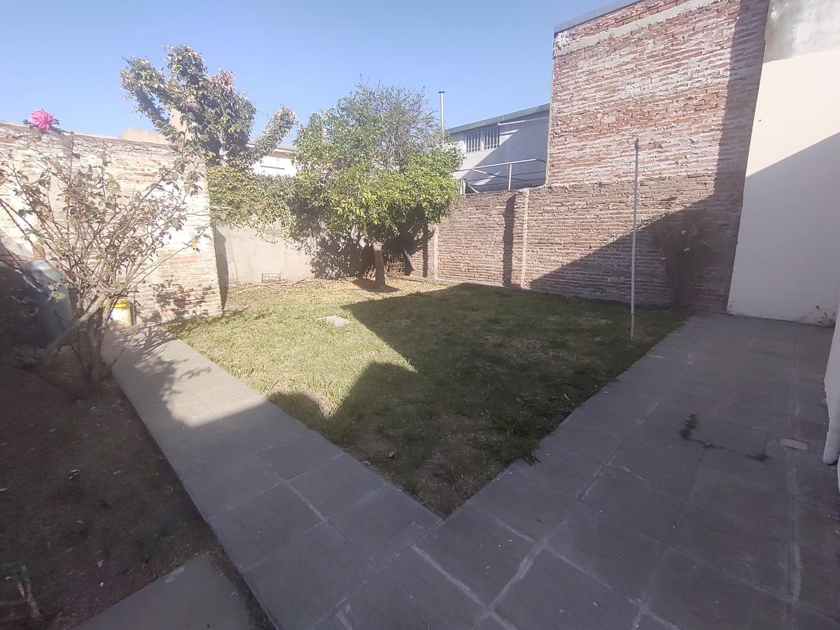 Foto Casa en Alquiler en  Rosario ,  Santa Fe  Moreno 4575 C