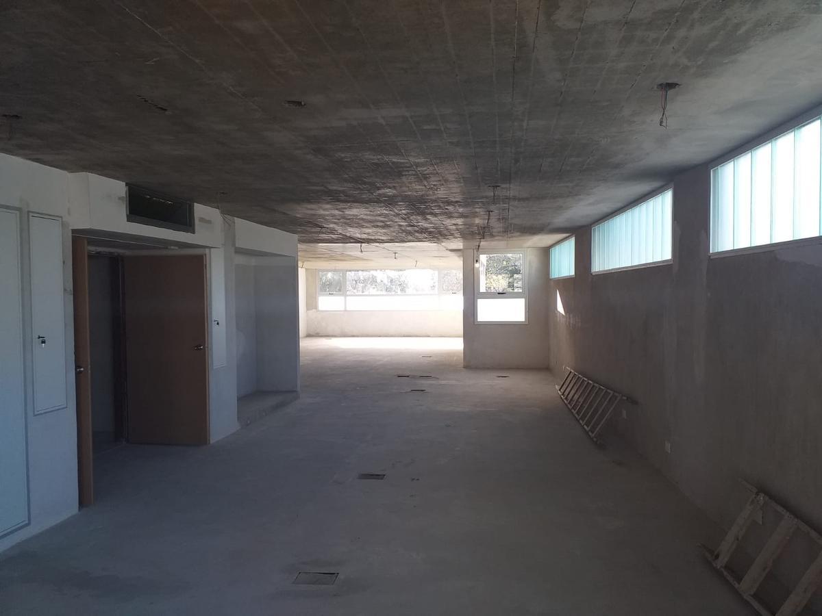 Foto Edificio Comercial en Venta   Alquiler en  San Isidro,  San Isidro  25 de Mayo al 700
