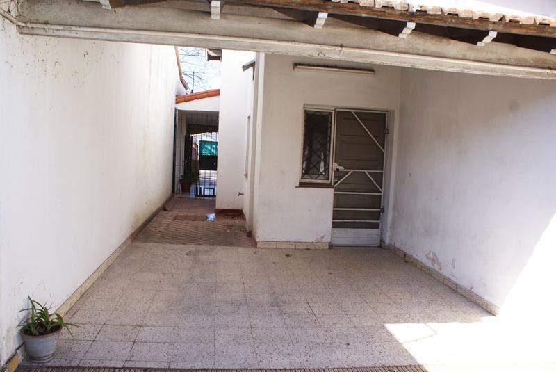 Foto Casa en Venta en  Jose Marmol,  Almirante Brown  BYNNON 2419, entre B. Yrigoyen y Granville