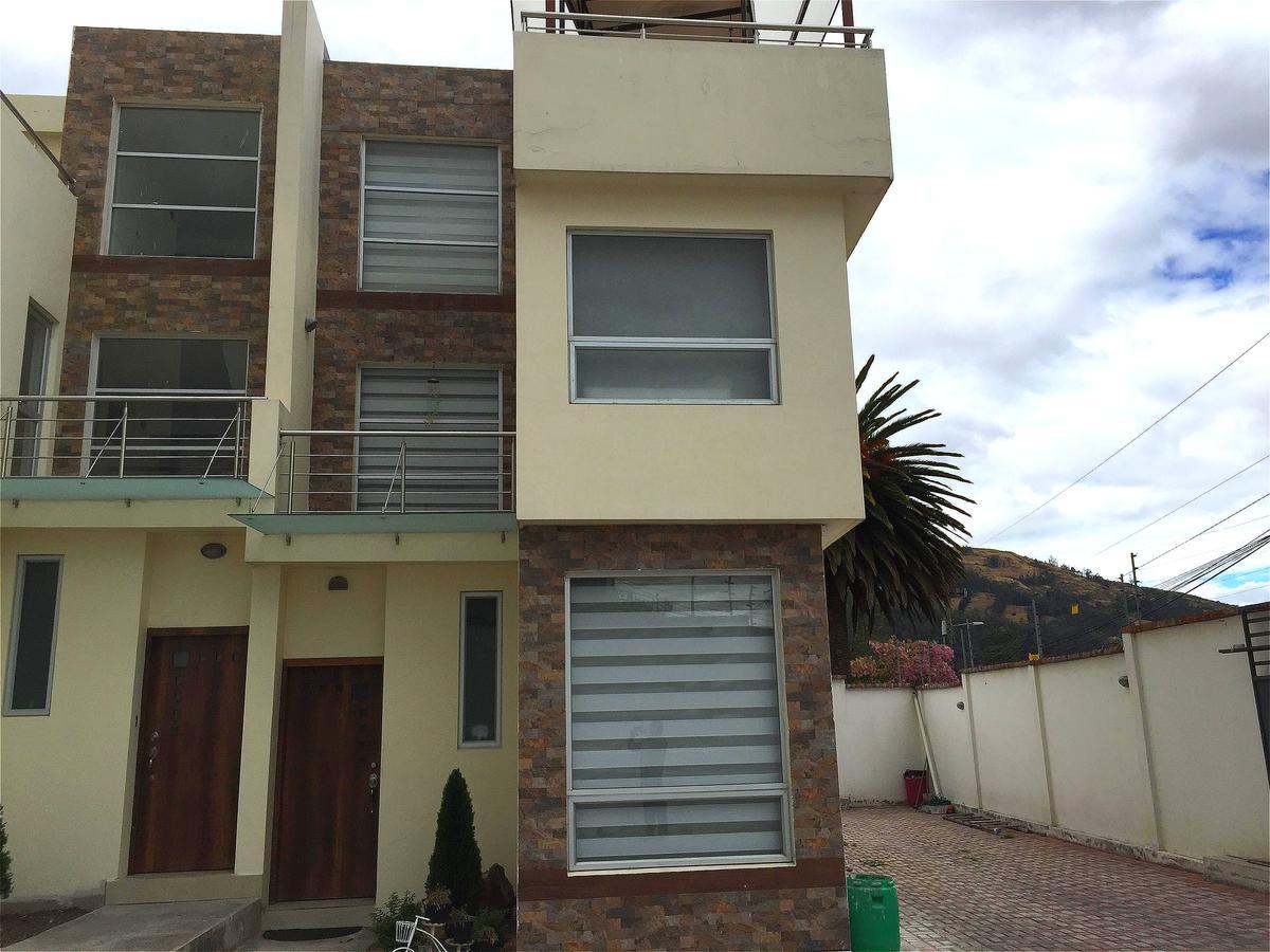 Foto Casa en Venta en  Los Chillos,  Quito          Vendo casas Valle de los Chillos, calle San Juan de Dios