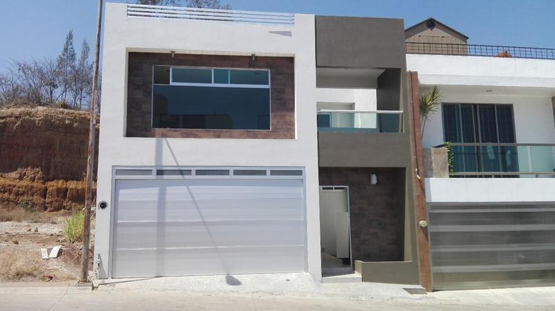 Mh Inmobiliaria Casa En Venta En Fraccionamiento Residencial Monte